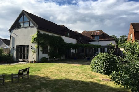 Quiet Rural Home - double ensuite  - Chichester - House