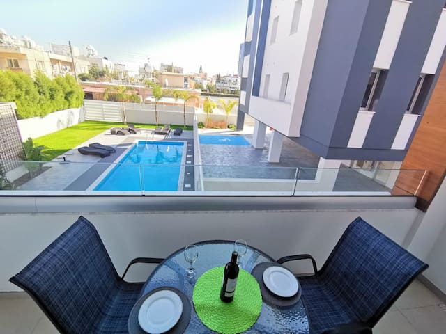 Brand NEW flat with POOL near the BEACH