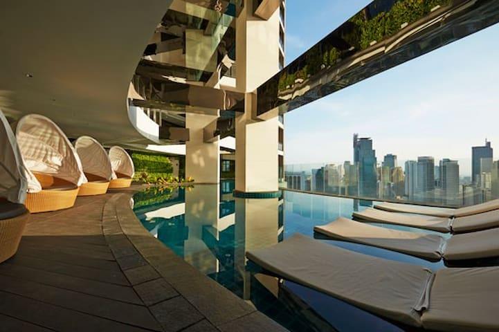 Gramercy Penthouse Corner Unit 1BR - Makati - Apartemen