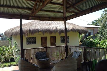 Jolis bungalows avec tout confort - Ebomé (Kribi) - Xalet