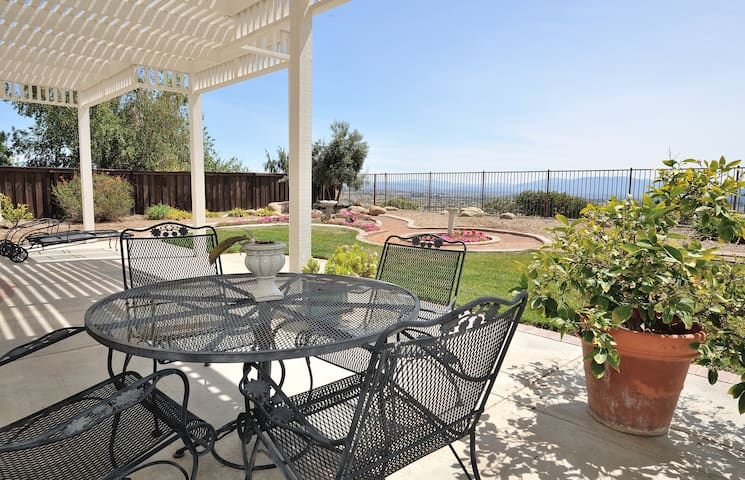 Stunning view of the Valley! - Murrieta - House