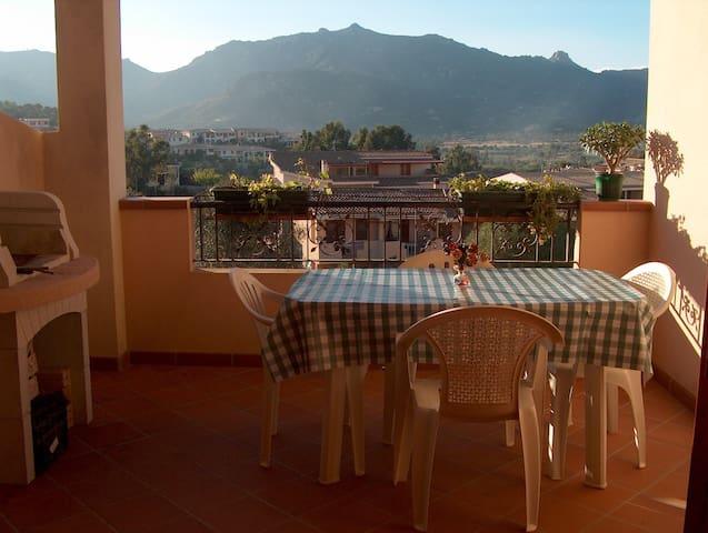 Villasimius, graziosa casa vacanze con terrazza. - Villasimius