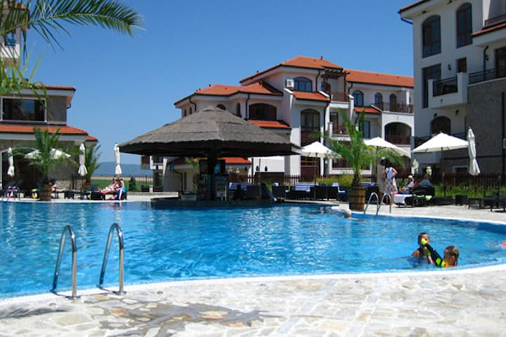 Relaxing holiday at the Vineyards  - Burgas - Apartment