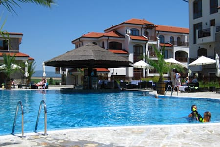 Relaxing holiday at the Vineyards  - Burgas - Apartmen