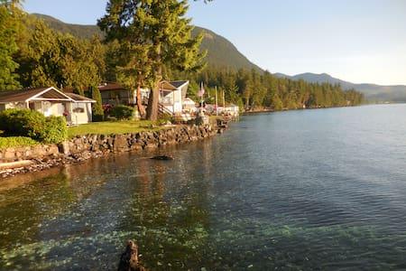 Hood Canal waterfront cabin near Hwy 101, Brinnon