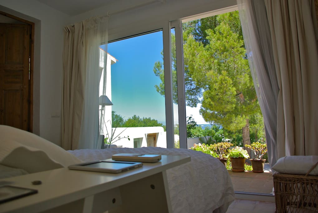 Vista y salida exterior  1º dormitorio casa