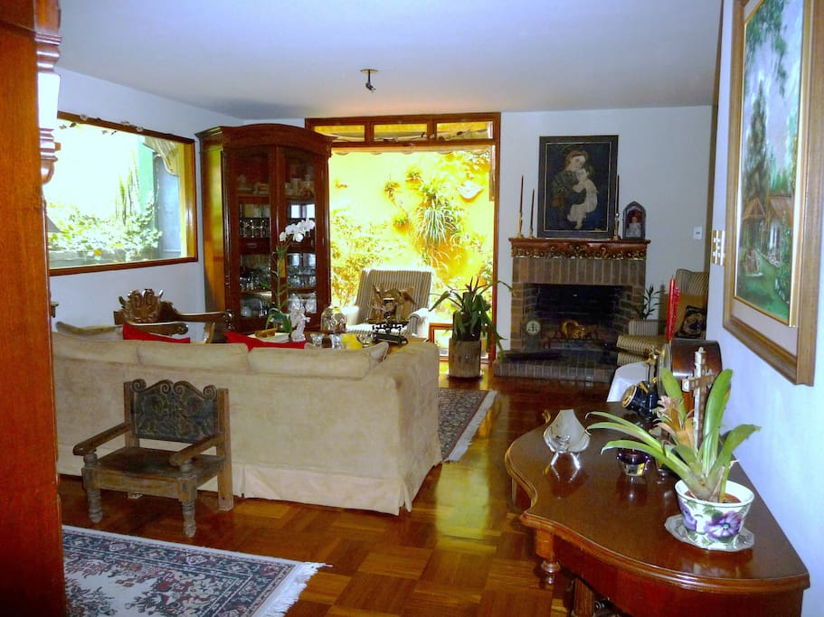Antique furnished living room, welcomes friends and guests