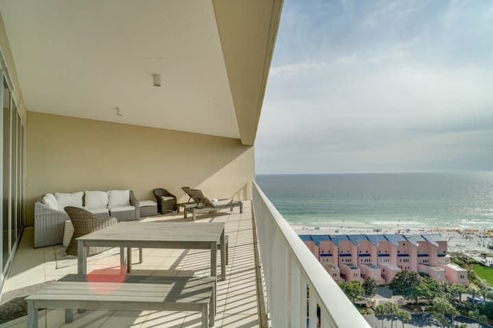 Tides 1410 - gorgeous Gulf view condo on the beach, 2 pools, grills, hot tub