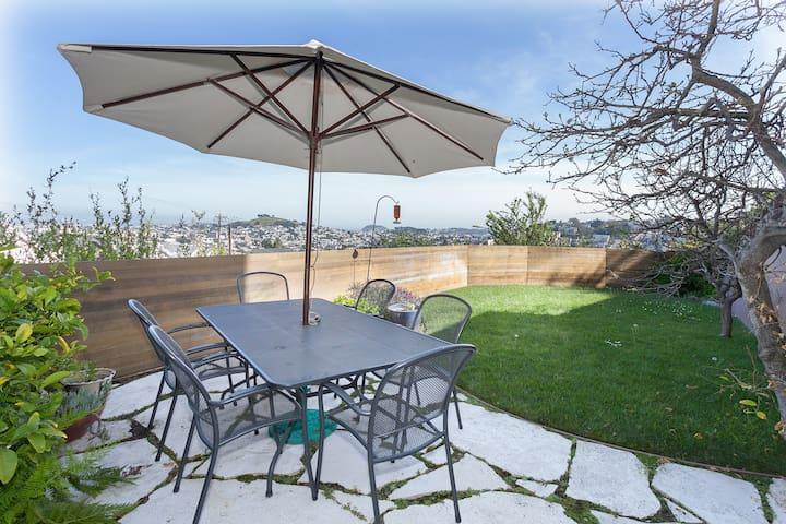 Noe View Studio, Lux Bath & Garden!