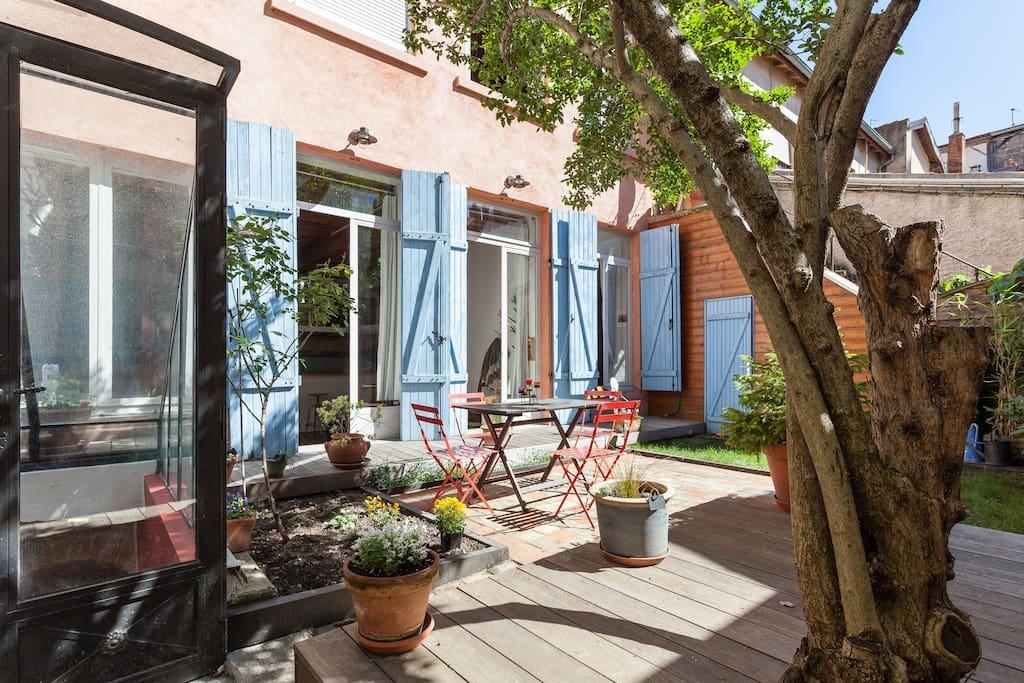 Duplex atypique de 110m2 jardin coeur x rousse for Atypique appartement lyon
