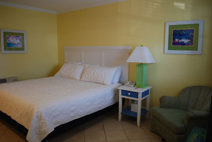 Quiet Inn Located in Atlantic Beach    King Junior