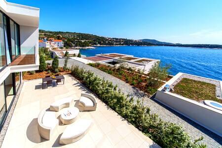 Stunning Golden Bay Villa 5 - Primošten