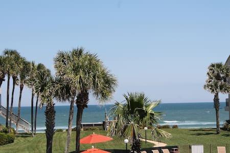 Summerhouse 427, Ocean View Condo - Crescent Beach