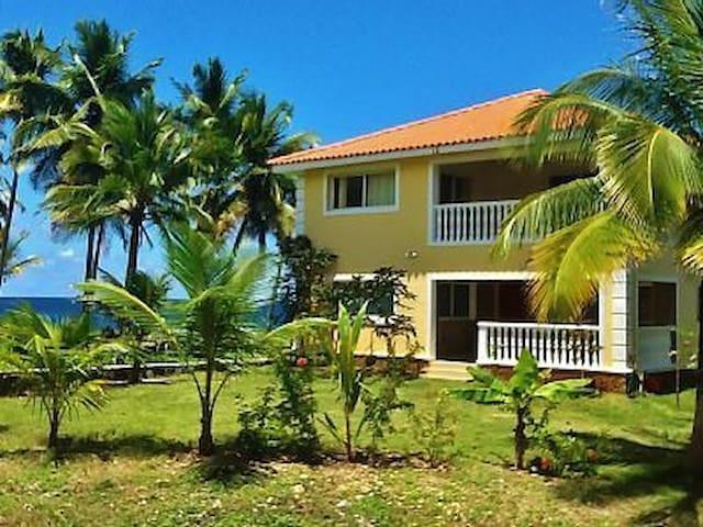 5 BR Ocean Front Villa, Beach, Pool - Samana - บ้าน