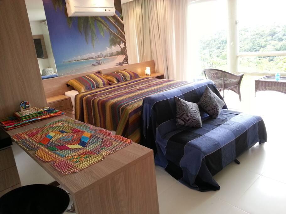 Cama Queen Size + Sofá-cama (acomoda até 04 pessoas)