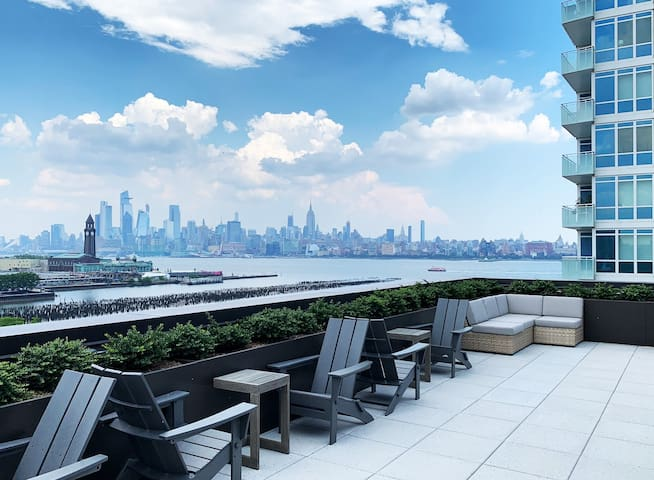 Luxury Newport / Jersey City Condo 1BR (Brand New)