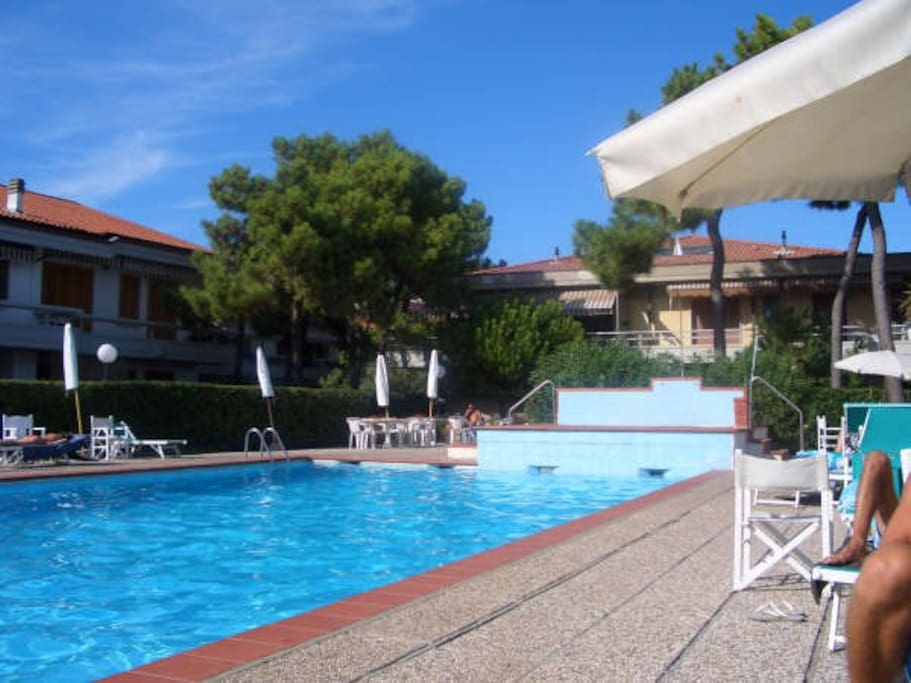 Residence Next To Beach With Pool Apartments For Rent In