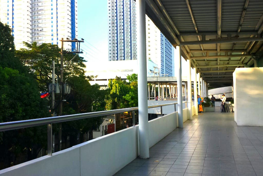 ☆Executive Bridgeway from SM Cinema☆
