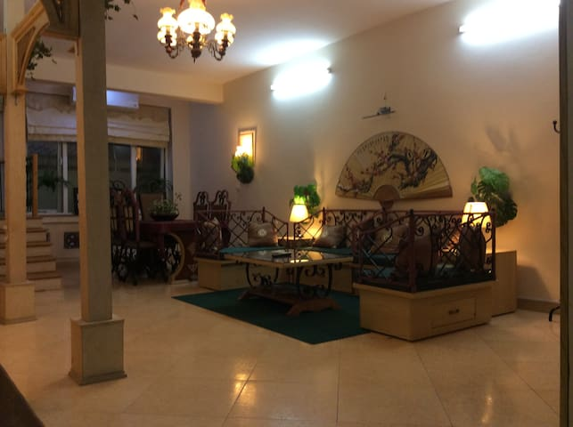 Ultra Spacious Family Vacation Home - 河內 - 公寓
