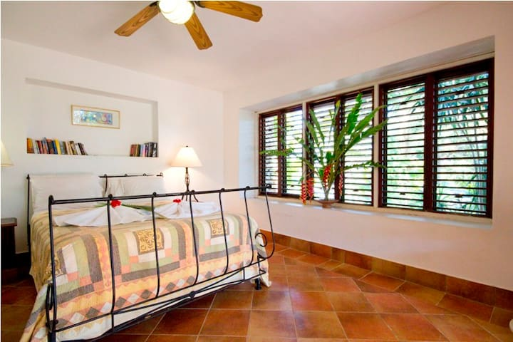 Garden Apartment - An extra bed or cot can be put in most rooms to accommodate children if required