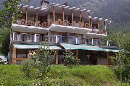 The Villa Woodrose - Manali, District Kullu, - Villa