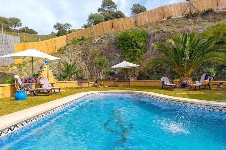 Villa with private pool + mini-golf