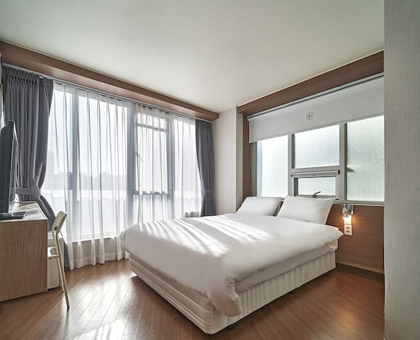 [4min Hongdae]Private Double Room