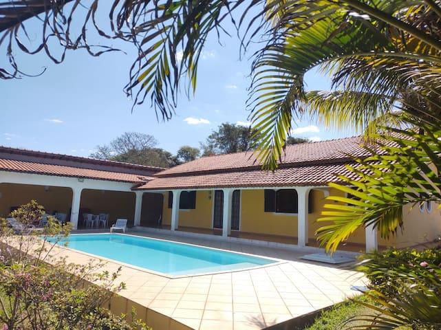 Chácara amarela - Casa de Campo