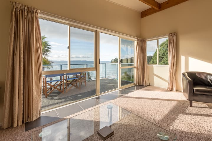 Malindi - two bedroom beachfront apartment
