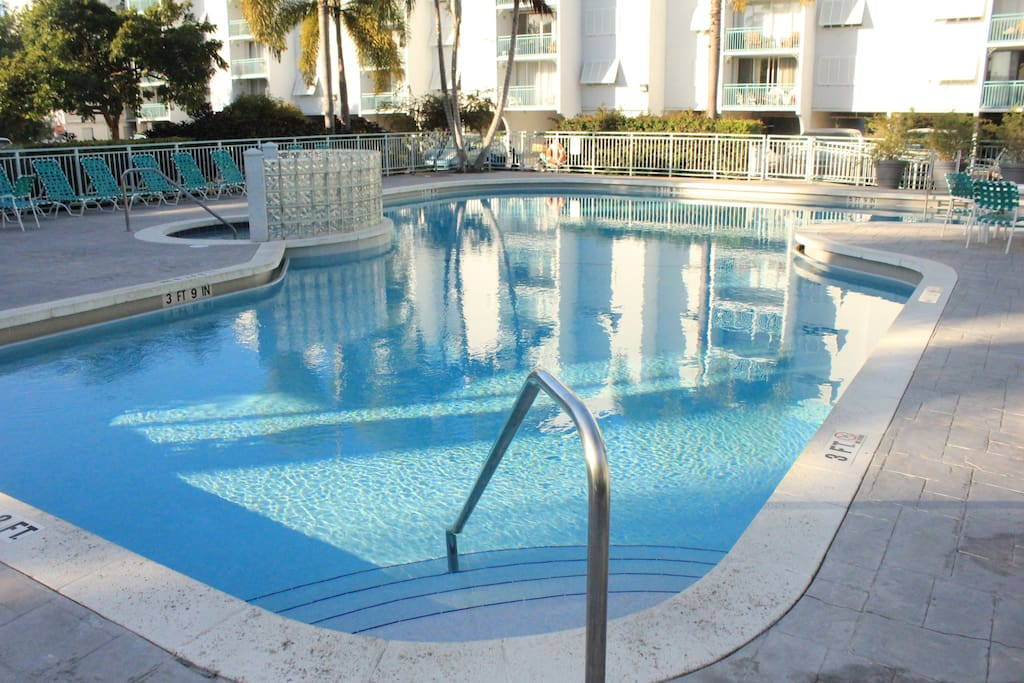 Nicely Renovated Two Bedroom Suite With A View Condominiums For Rent In Key West Florida