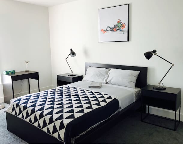 THE BEST MASTER BEDROOM in HOLLYWOOD