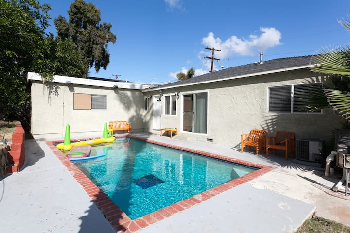 Ben's Pool House - Fun is Included! - La Mesa - House