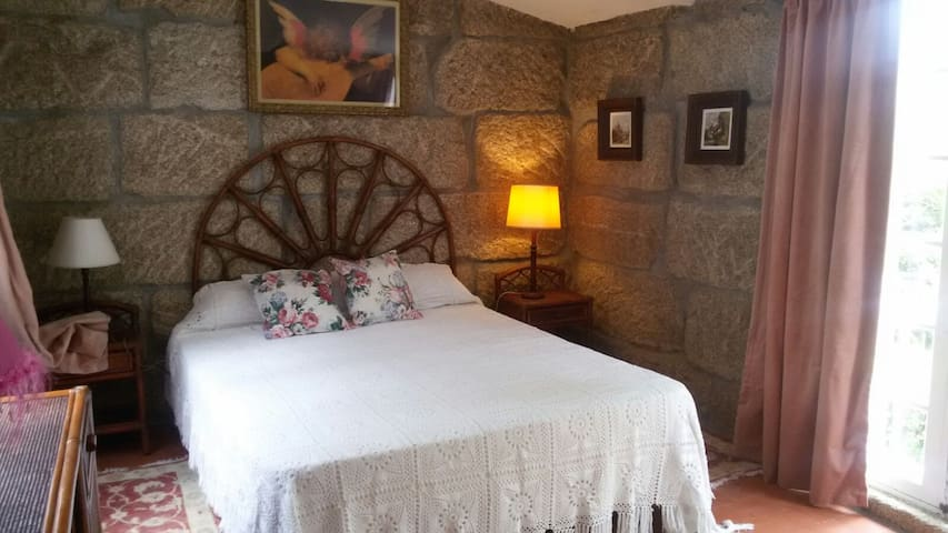 Little cottage next to the forest and near beaches - Gondomar - บ้าน