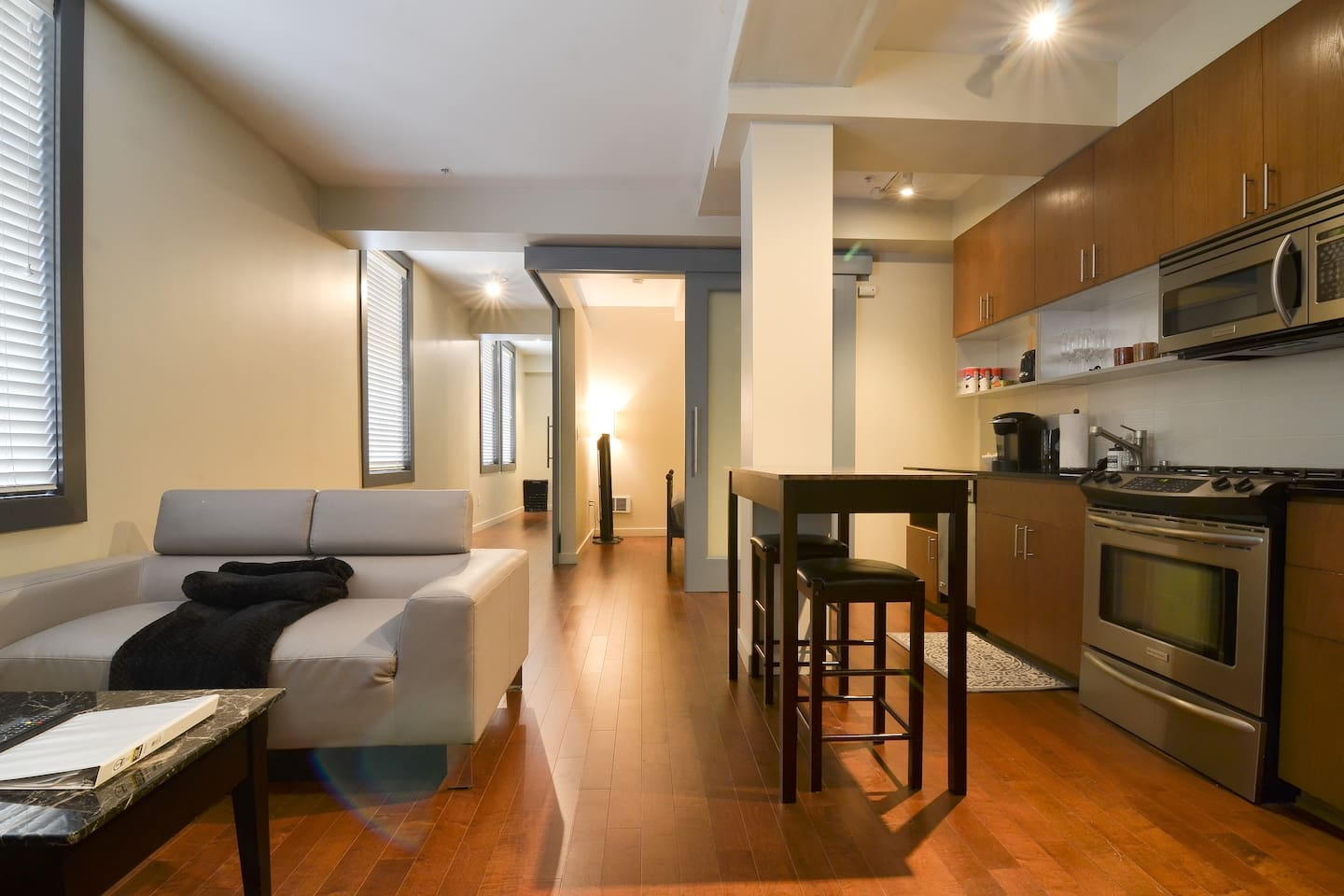 Deluxe Apartment Steps Away from Pike Place Market!