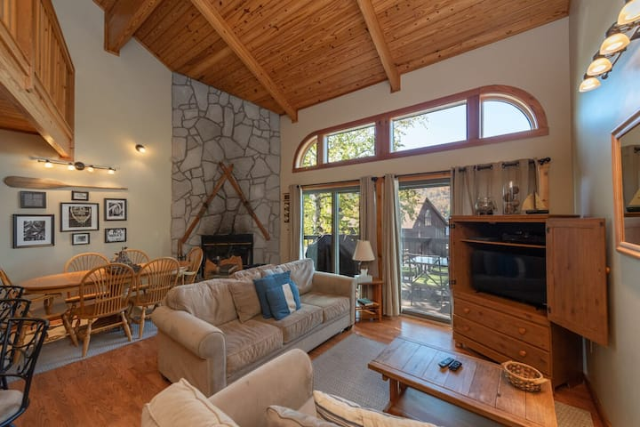 NEW! Lake Access Townhouse #19 w/Wood Fireplace, & Community Indoor Pool!