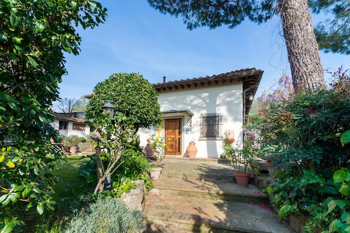 Charming Country house overlooking Firenze - Caldine - Haus