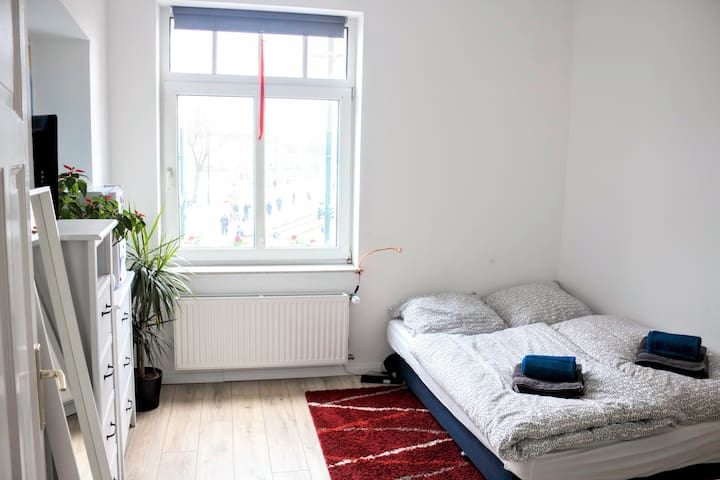 Comfortable and bright room for 1-2 people - Düsseldorf - Appartement en résidence