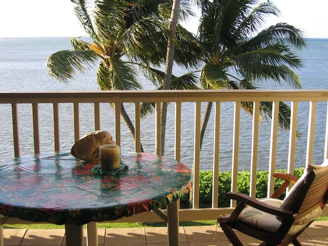 OceanFront Condo w/panoramic view on MOLOKAI !! - Kaunakakai - Apartemen
