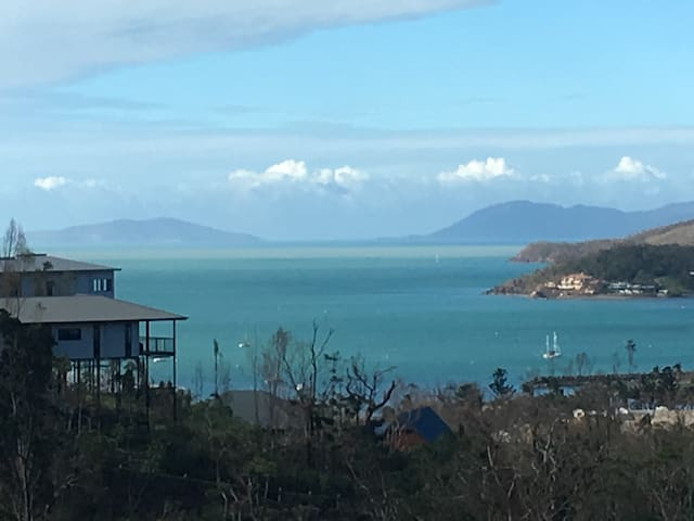 Stunning sea views - Airlie Beach - Apartment