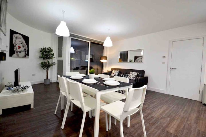 *** Amazing property in King's Cross  ***