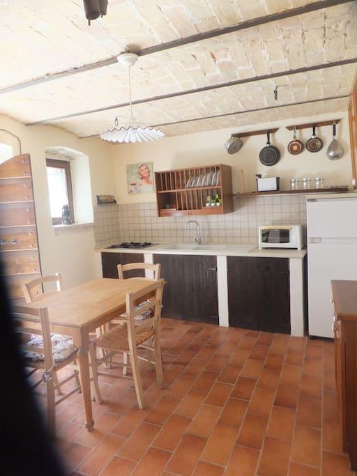 PT: cucina Ground floor: Kitchen