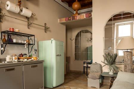 Bellissimo appartamento shabby Lodi centro storico
