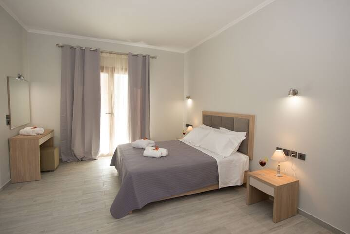 Erikousa Palace Studio M14 Bedroom