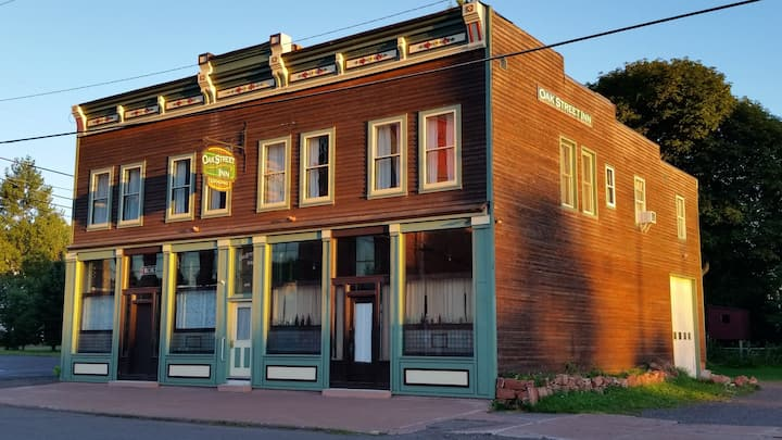 Oak Street Inn - Silver Suite - Calumet, MI