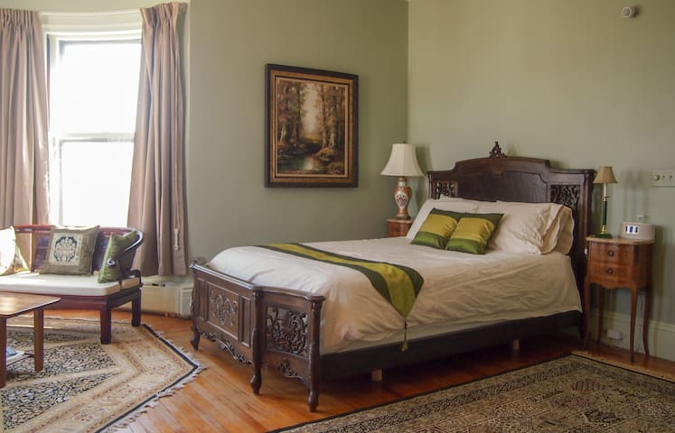 White Oak Villa - Master Suite