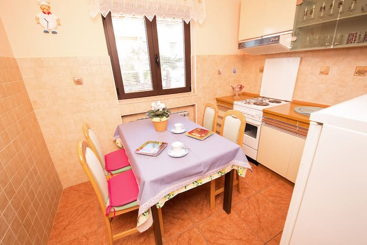 Enjoy your morning coffee in your little dinning area with well equipped kitchenette