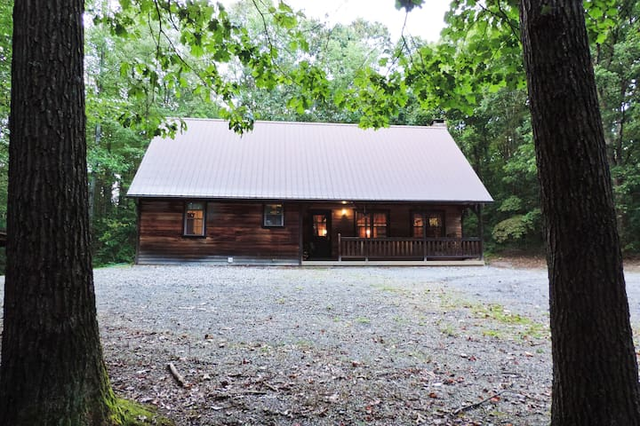⋄ Private Cabin Getaway ⋄ Central PA Mountains
