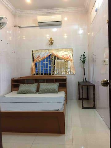 Maom room