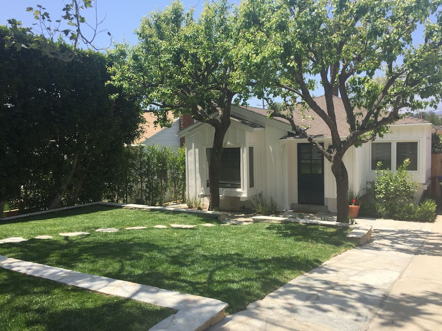 3 Bedroom House In Heart Of Pacific Palisades Houses For Rent In Los Angeles California
