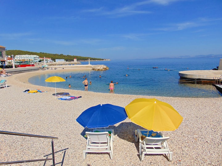 APARTMAN ANDREA-place by the beach and centar